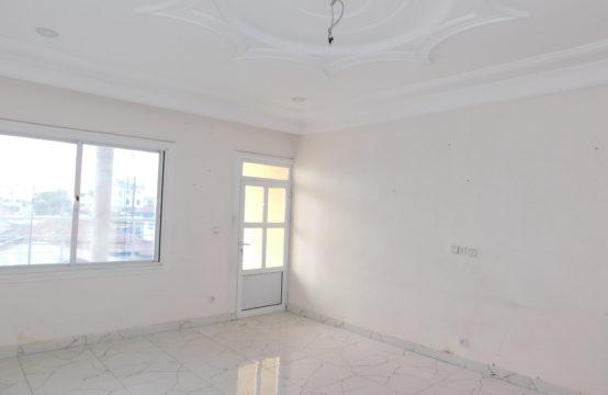 Grand appartement à louer à Moungali
