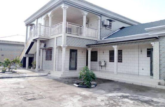 Villa à vendre à Kintele