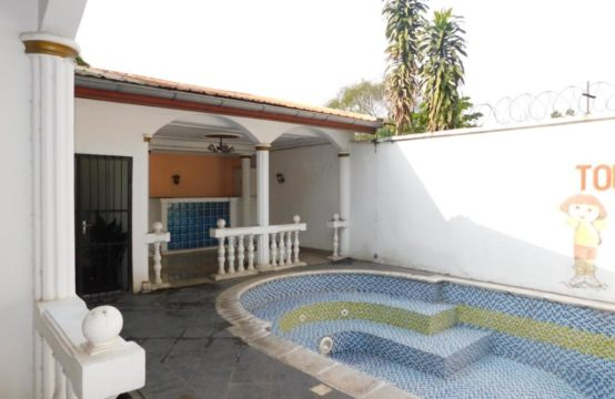Villa avec piscine vers le CCF